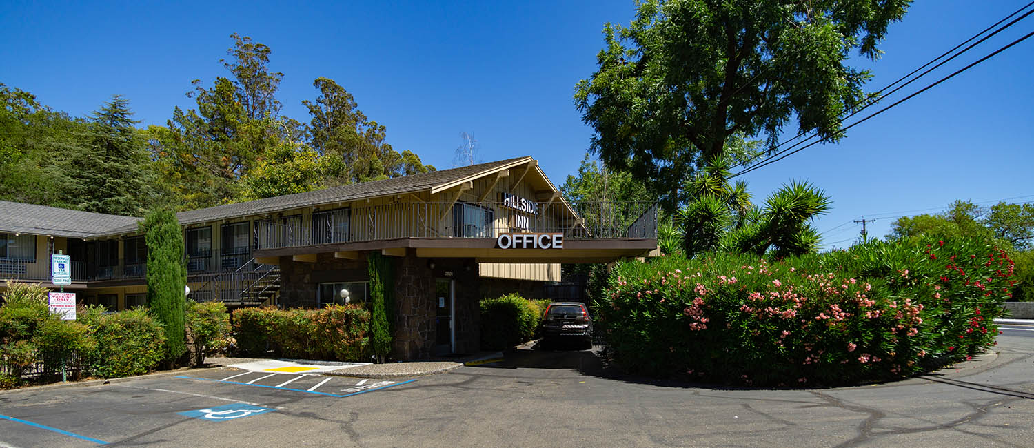 WELCOME TO THE HILLSIDE INN LOCATED IN SANTA ROSA, CA